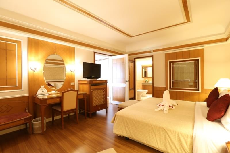 Asia Pattaya Hotel : President Suite Room