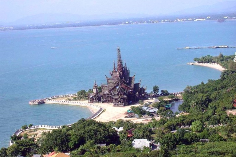 Asia Pattaya Hotel : The Sanctuary of Truth